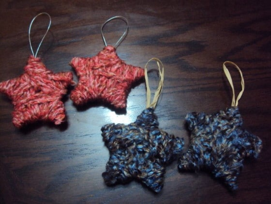 wool and cardboard stars ornament