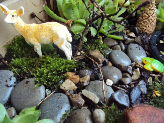 how to make a fairy garden for small world play