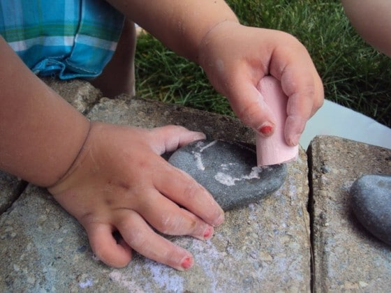 8 Simple Outdoor Activities for Toddlers