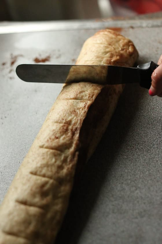 marking the roll with a knife