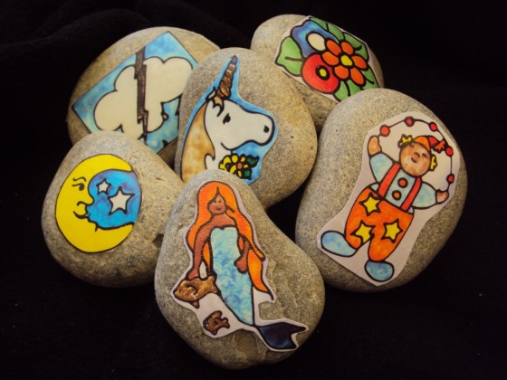 easy homemade story stones by happy hooligans