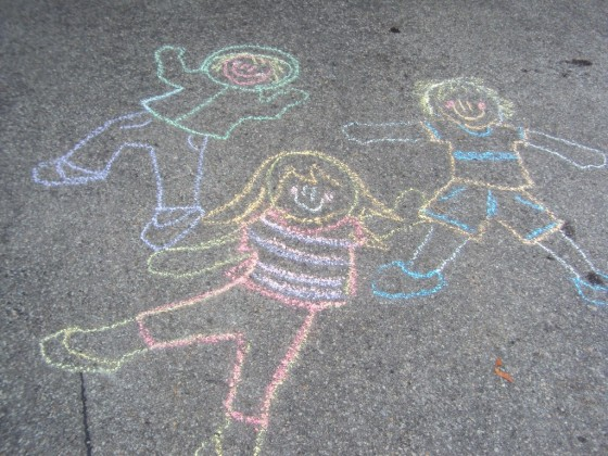 tracing kids with sidewalk chalk