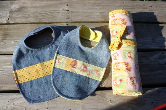 Homemade Bibs and Blankets – Great Gifts to Make for a New Baby