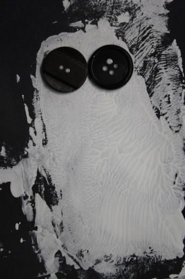Halloween ghost craft for preschoolers