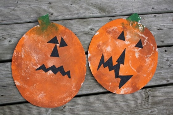 smoosh painted pumpkin art for toddlers
