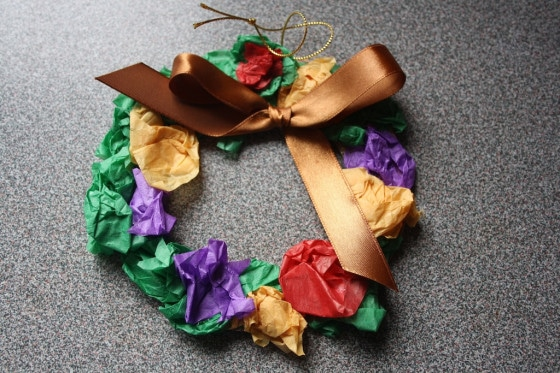 Easy Christmas Crafts for kids - tissue wreath ornament