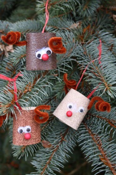 easy christmas crafts - toilet roll reindeer