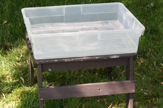 fast and easy homemade water table for kids