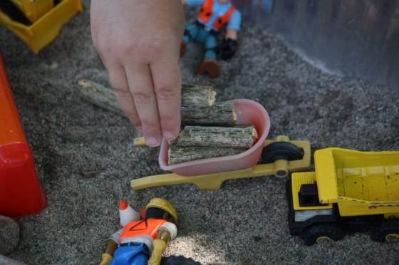 fine motor construction bin