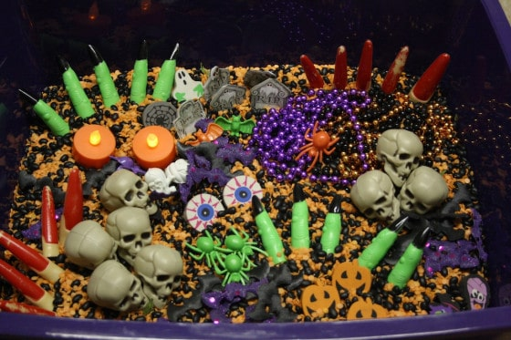 suggested items to include in a Halloween sensory bin