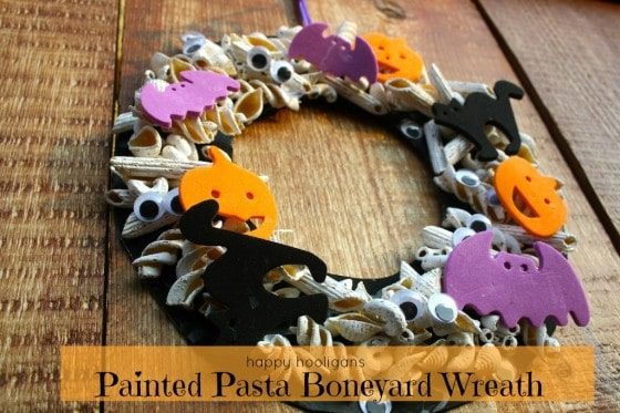 Boneyard Halloween Wreath for Toddlers and Preschoolers to Make