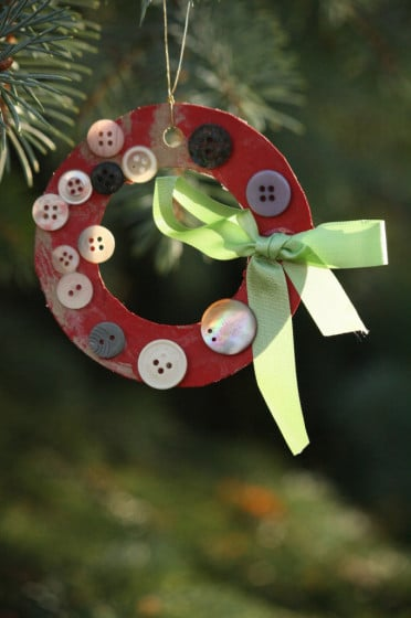 simple button wreath
