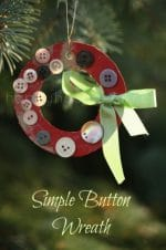 Simple Button Wreaths to Hang on the Christmas Tree