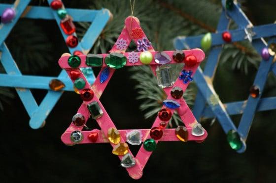 3 popsicle stick stars on christmas tree