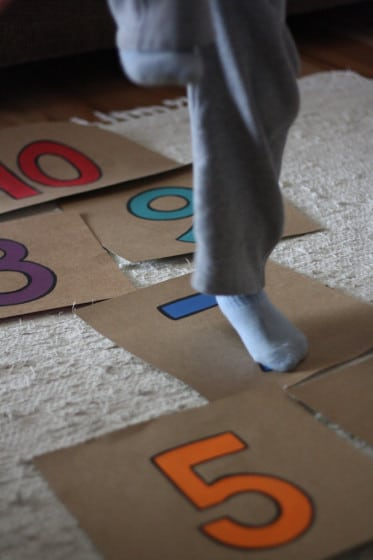 how to make a hopscotch game