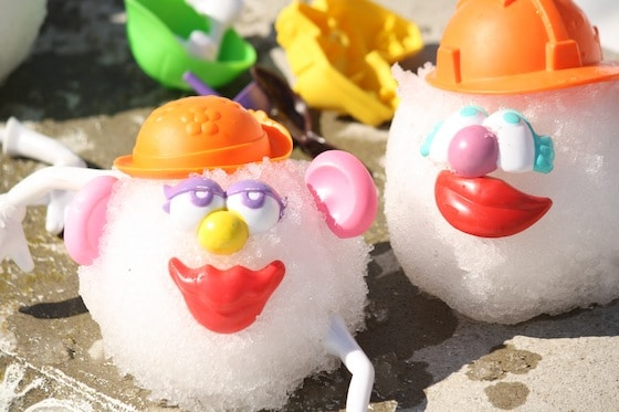 make potato heads in the snow