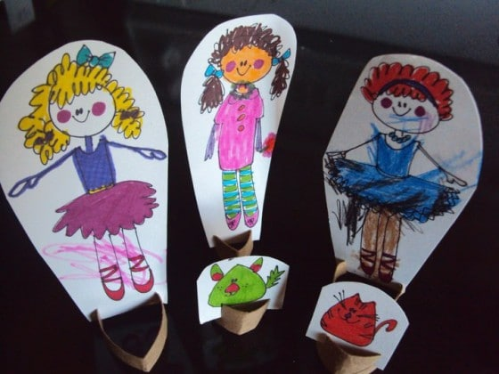 homemade paper dolls that kids can colour