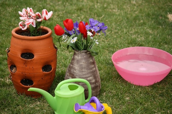 pretend garden play activity for toddlers and preschoolers
