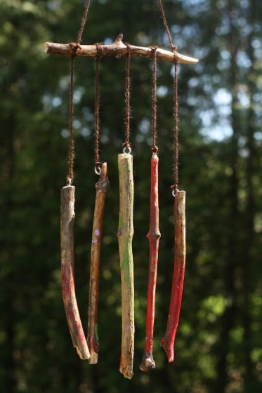 Homemade natural wind chimes happy hooligans for Easy to make wind chimes
