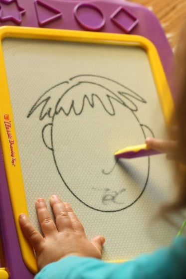 drawing faces on the magnadoodle
