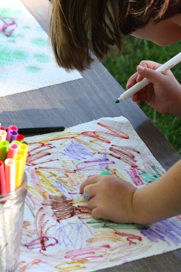 colouring paper towels with markers
