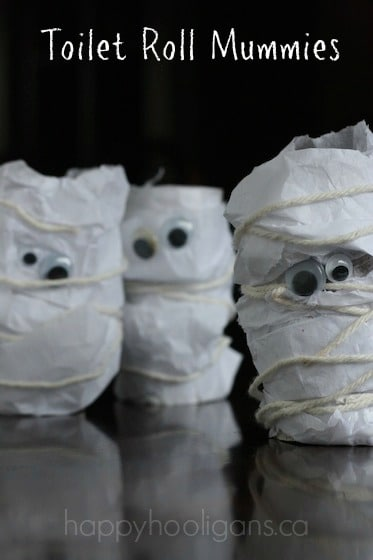 Toilet roll mummy halloween craft