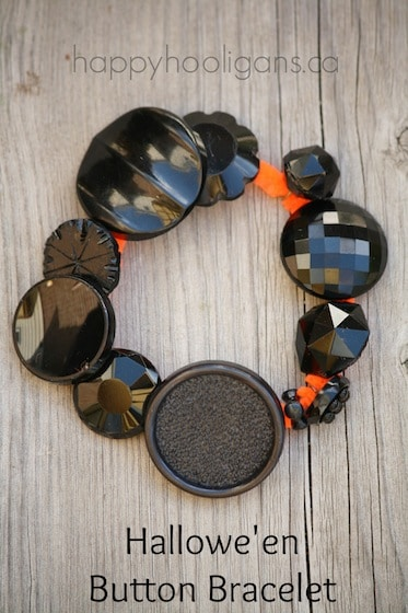Halloween Button Bracelets for toddlers and preschoolers to make