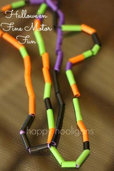 Threading Straws – Halloween Necklaces for Preschoolers To Make
