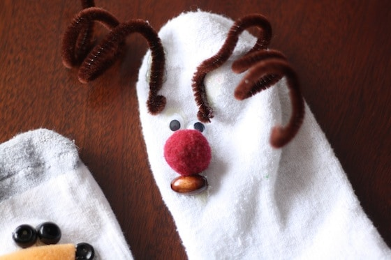 easy christmas no sew sock puppets