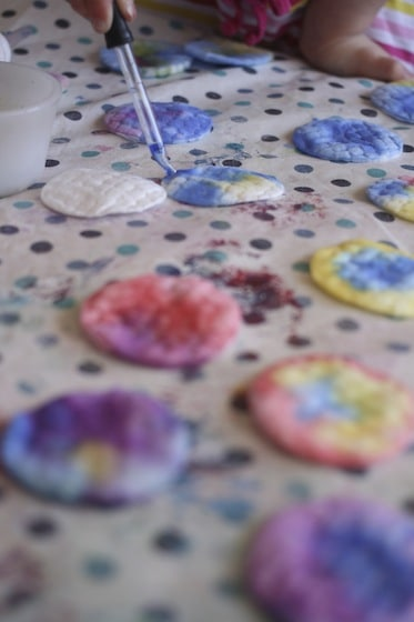 Dripping watercolours onto cotton pads