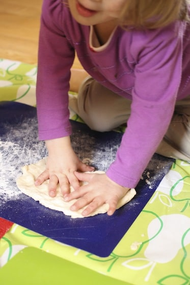 The Best No-Knead, No-Rise Pizza Dough to Make with Kids