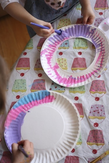 painting paper plates to make flowers