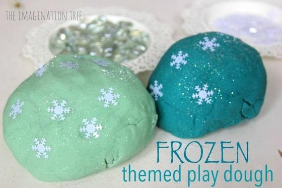 Frozen-themed-play-dough-680x453