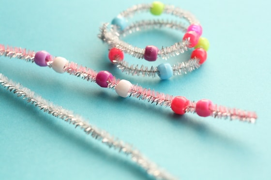 pipe cleaners and beads to make napkin rings