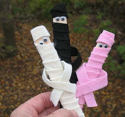 popsicle stick mummies by Crafts by Amanda