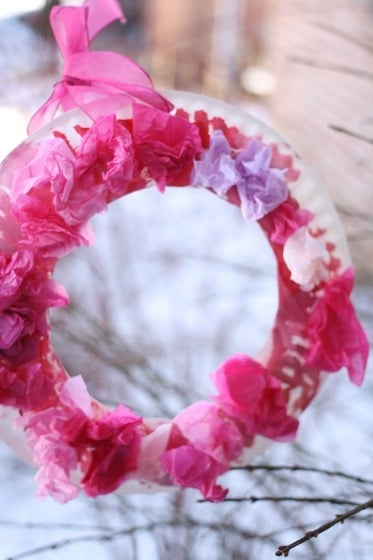 Easy Valentine's craft for toddlers and preschoolers