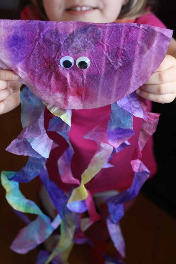 Finished coffee filter jellyfish craft for preschoolers