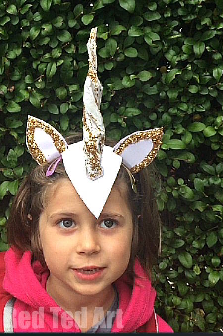 DIY-Unicorn-Horn-Costume-Idea-for-Halloween-