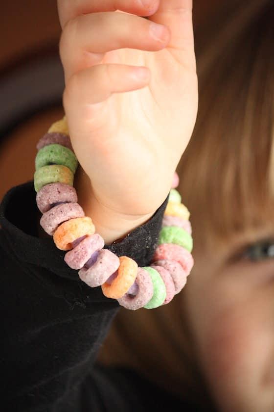 fine motor fruit loops bracelet