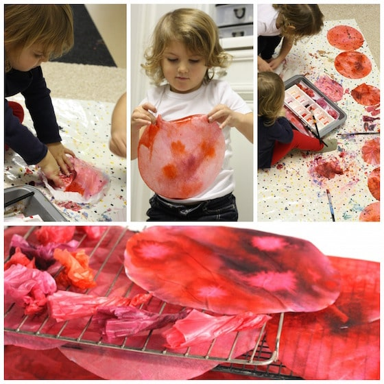 kids dyeing coffee filters with watercolours and food colouring