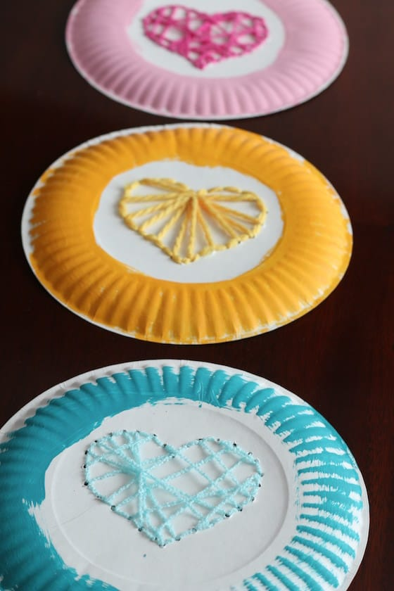paper plate weaving project for kids & Paper Plate Yarn Weaving - Sewing Hearts - Happy Hooligans