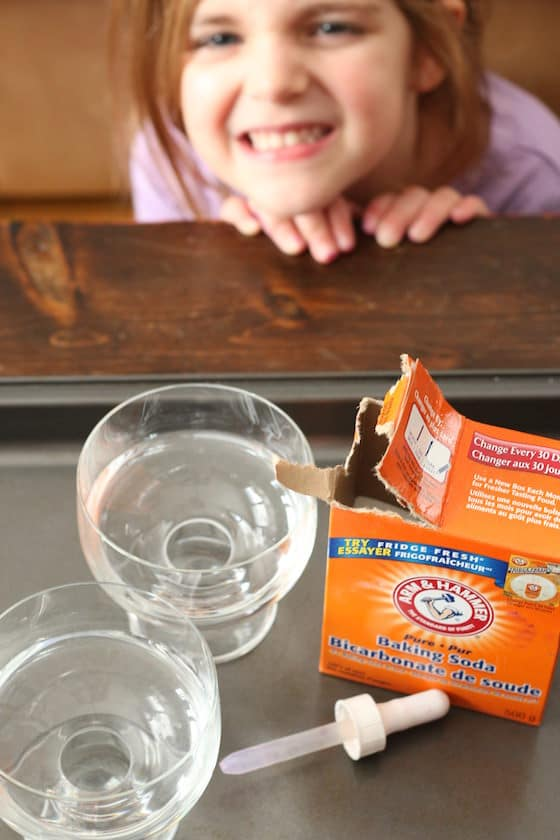 how to clean baking sheets with baking soda and vinegar