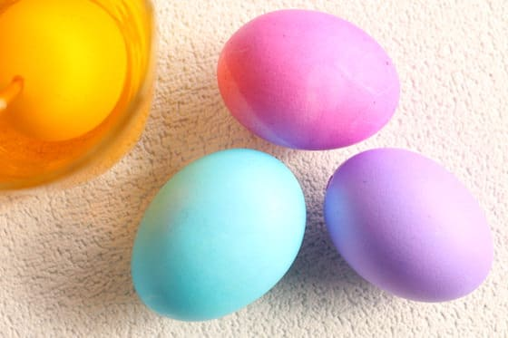Dyeing Easter Eggs at home