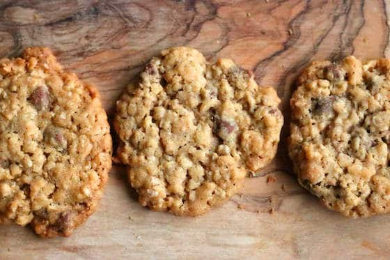 3 oatmeal, chocolate chip and crispy rice cookies