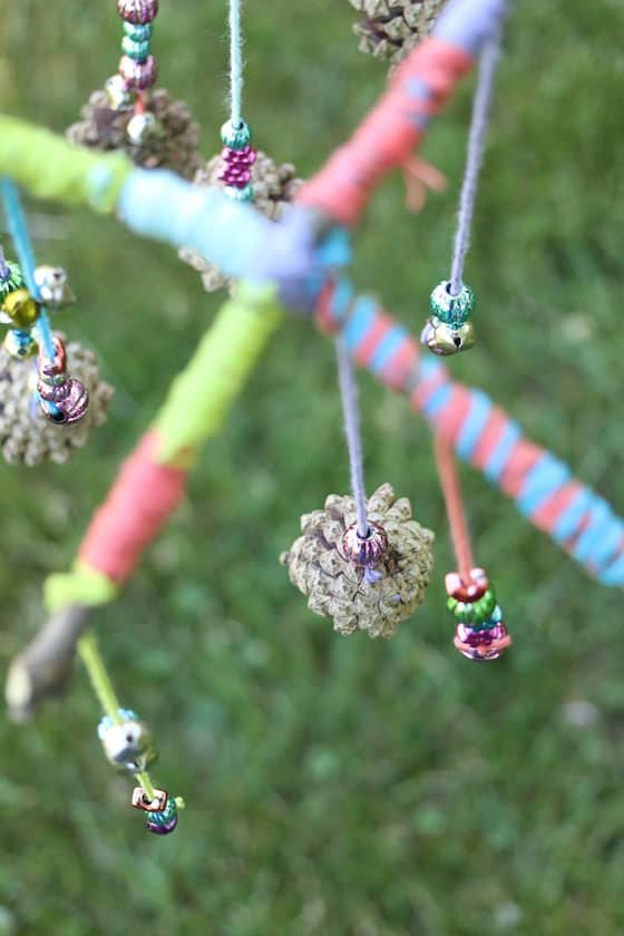 pinecone-mobiles-for-kids-to-make-with-natural-materials