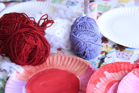 Yarn and painted paper plates