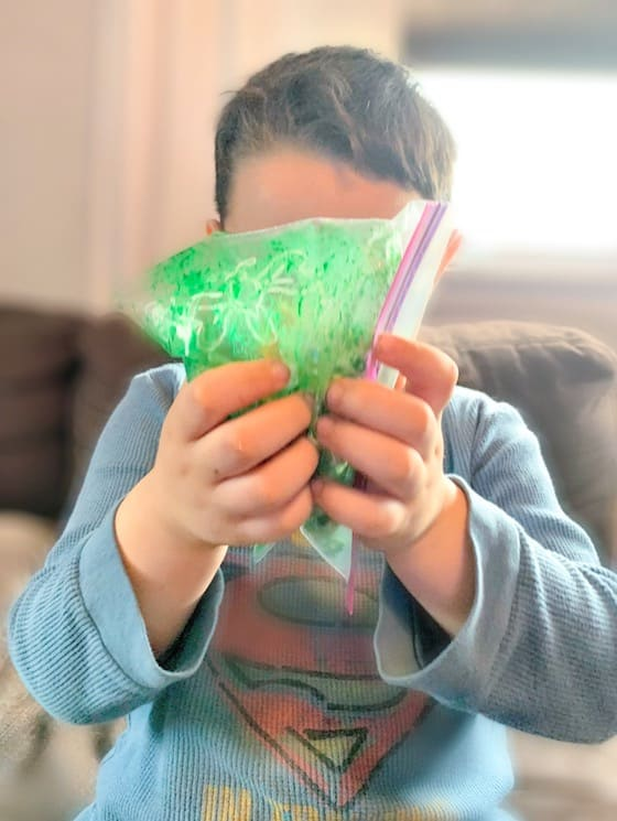Colouring Green popcorn
