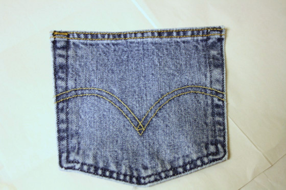 jeans pocket front of kid apron.