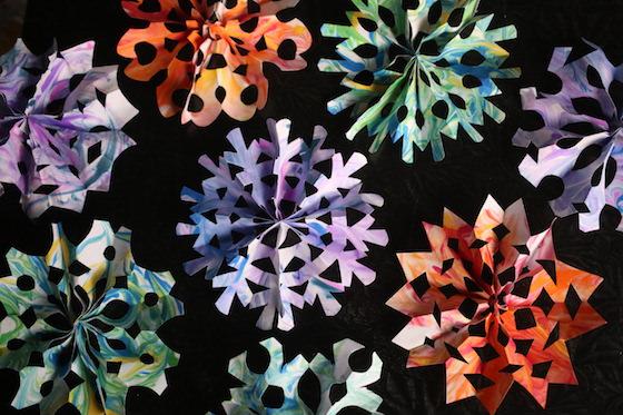 3 dimensional paper snowflakes