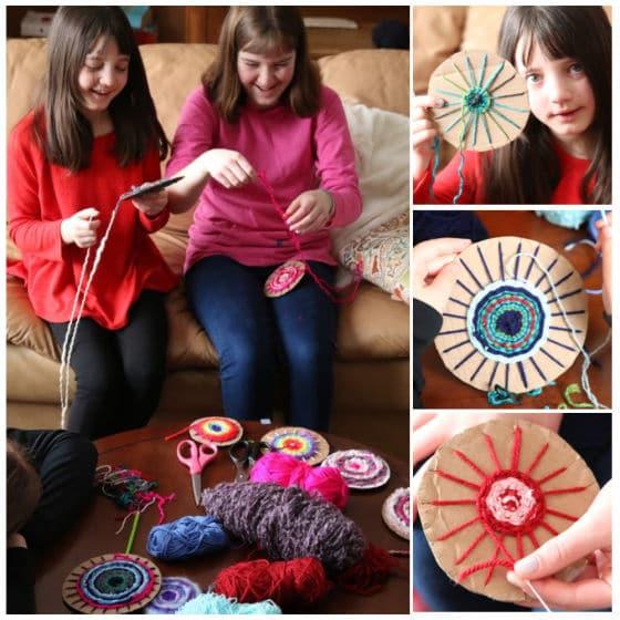 tweens circle loom weaving